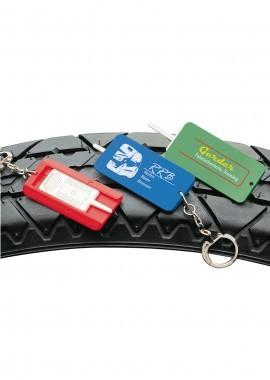 Schlüsselanhänger mit Reifentiefeprüfer