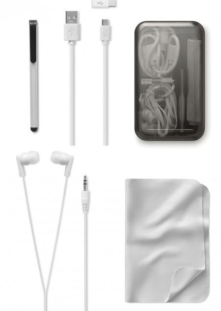 Reise-Set mit Ohrhörern