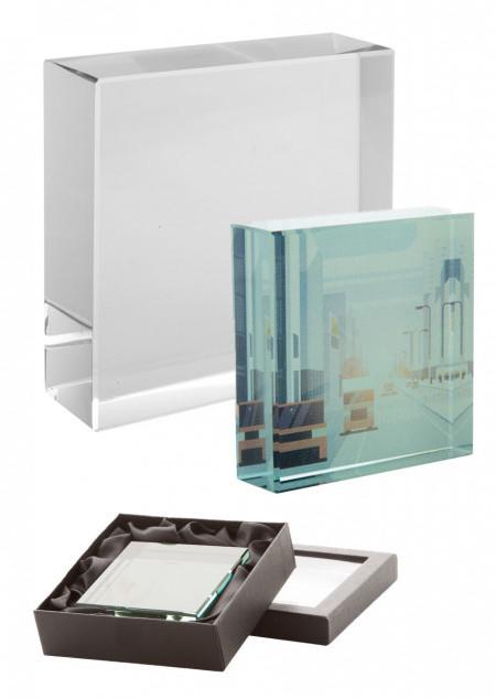Glas-Quader